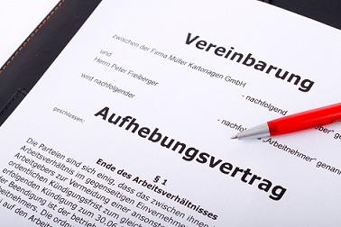 Deutscher Rechtsanwalt ist spezialisiert im polnischen Arbeitsrecht.