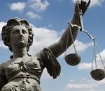 Deutscher Rechtsanwalt berät bei den Rechtsbehelfen in der Zwangsvollstreckung in Polen. Als Rechtsanwalt kennt er sich naturgemäß im polnischen Zwangsvollstreckungsrecht sehr gut aus.