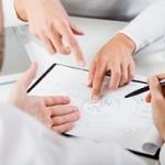 Deutscher Rechtsanwalt berät bei der Erstellung von Verträgen im polnischen Urheberrecht.