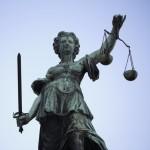Deutscher Rechtsanwalt vertritt deutsche Mandanten vor allen polnischen Gerichten.