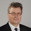 Deutscher Rechtsanwalt berät in Warschau bei der Gründung einer polnischen GmbH.
